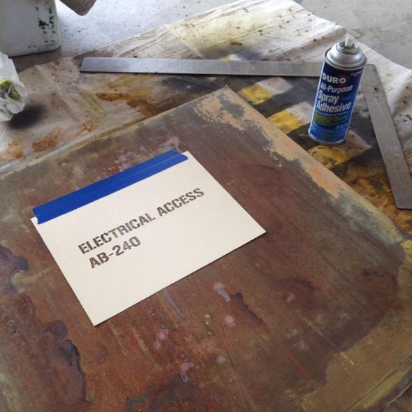 Stencil-Adhesive